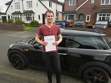 Roadrunners Driving School Kidderminster 1st time pass student Steven C